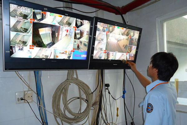 Thường xuyên kiểm tra kết nối của màn hình với camera để xử lý kịp thời các sự cố
